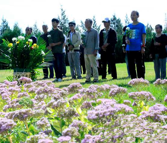 张家口举办第三届公益节地生态集体安葬仪式
